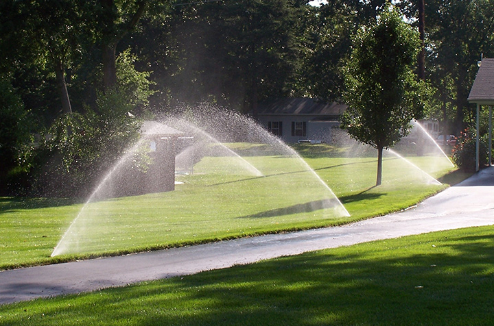 Benefits of Having a Lawn Sprinkler